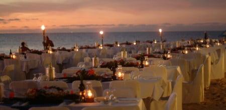 Green-Is_Beach-Dinner_Setup-450x220